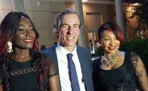 14 juillet : Coumba Gawlo et Viviane avec l'ambassadeur de France
