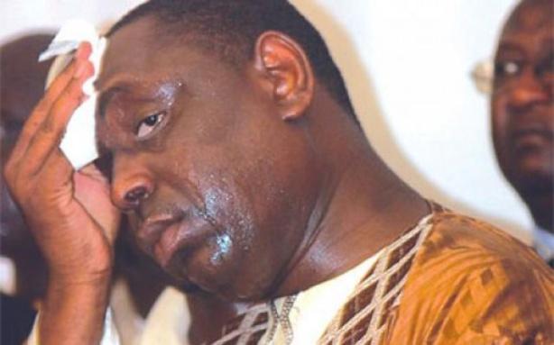 Macky Sall, malmené par l'opposition en France