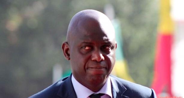 Dakar meurt de soif dans l'indifférence du ministre de l'Hydraulique, Mansour Faye, qui dépense des millions pour une cérémonie de décoration