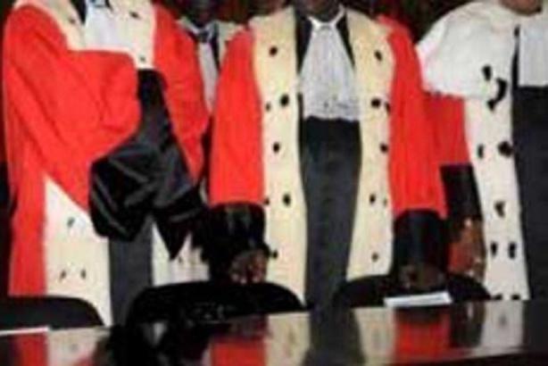 Dégueulasses ces pantins de magistrats
