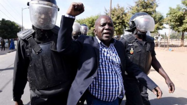 Manifestation : La police disperse l'opposition, Oumar Sarr et Decroix arrétés