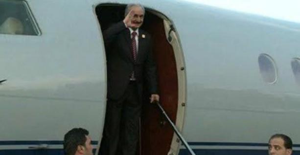"""Libye : le maréchal Haftar fait taire les rumeurs et revient """"en bonne santé"""" à Benghazi"""