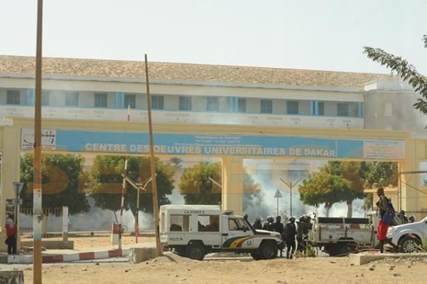 Après Saint-Louis, les universités de Dakar et de Saint-Louis en feu : une voiture de la police brûlée à l'UCAD