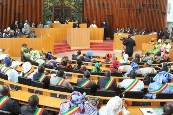 Khadidiatou Diallo, députée apériste : «On est dans un pays où on applique la Charia, c'est normal de contrôler les réseaux sociaux»