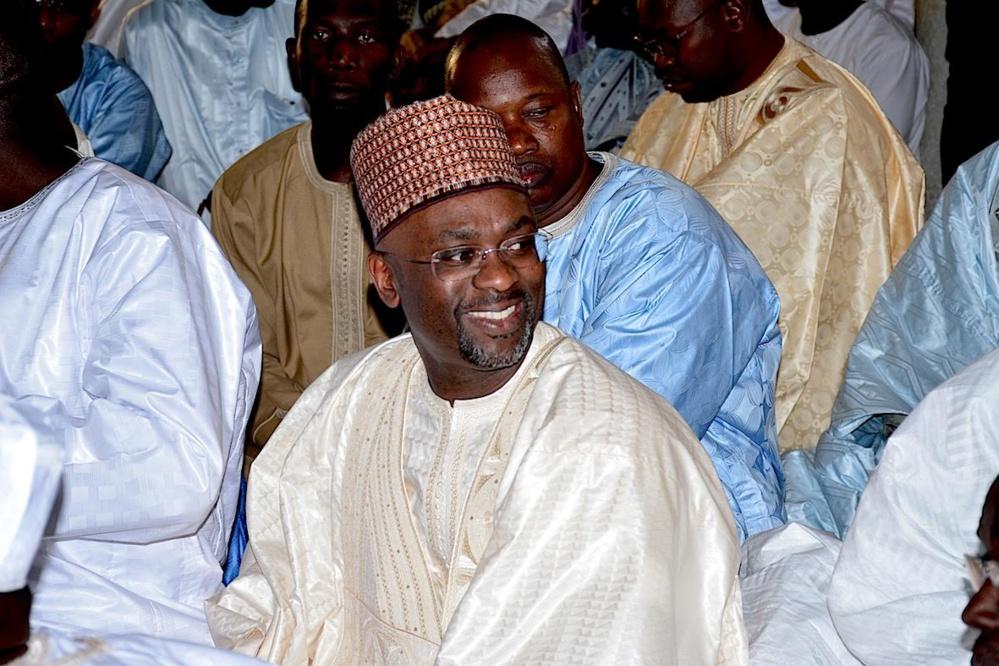 Médina: Le DG des impôts et domaines Cheikh Ba tend la main à Bamba Fall