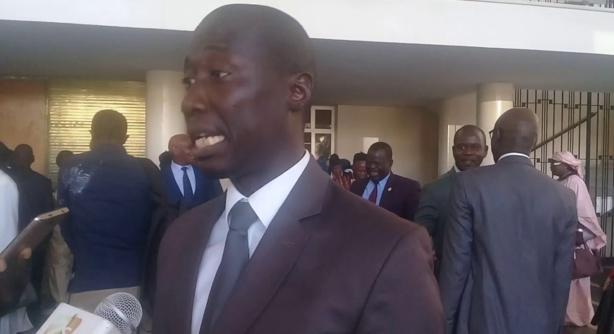 Dame Mbodj accuse Serigne Mbaye Thiam de fraudes et de prévarications et saisit l'Ofnac