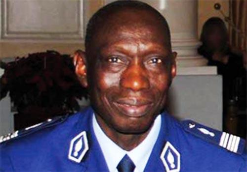 Colonel Abdoul Aziz Ndao : «Seules les forces de l'ordre en tenue ou brassards d'identification doivent procéder à des arrestations»