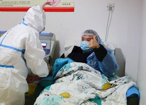Un patient guéri du Covid-19 rechute après quelques jours