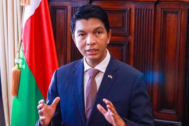 Covid-Organics : «Le problème, c'est que ça vient d'Afrique», dit Andry Rajoelina sur RFI
