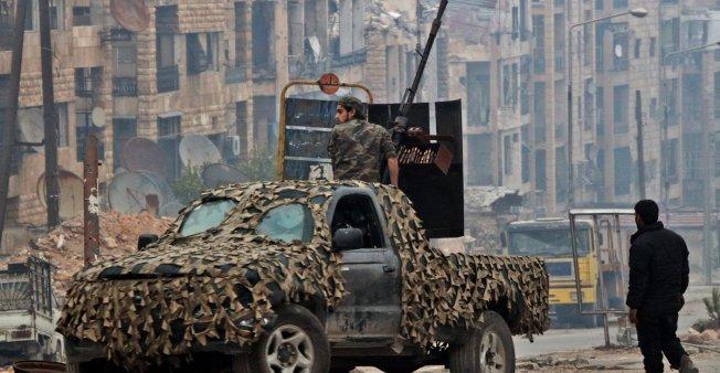 Syrie : la France n'enverra pas de troupes pour soutenir les Kurdes syriens