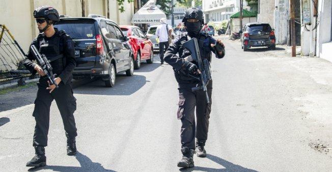 ndonésie : attentat-suicide à Surabaya contre une base de police