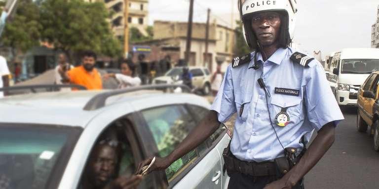 «Amoul Yaakaar», le policier à qui on ne glisse pas un billet dans le permis