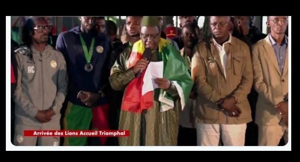 Libéralités présidentielles : Macky offre 20 millions FCFA à chaque «Lion» et membre de la délégation