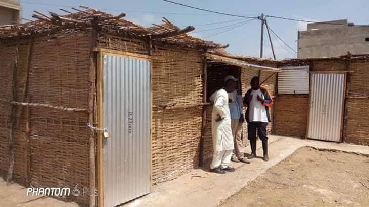 Abris provisoires de l'émergence : exemple de l'école élémentaire de l'unité 14 de Keur Massar, région de Dakar
