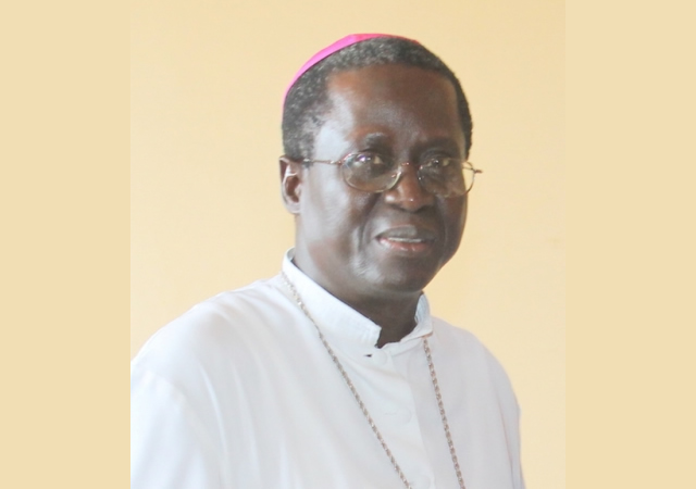 "Monseigneur Benjamin Ndiaye: ""A travers des querelles politiciennes, on prend en otage la population"""