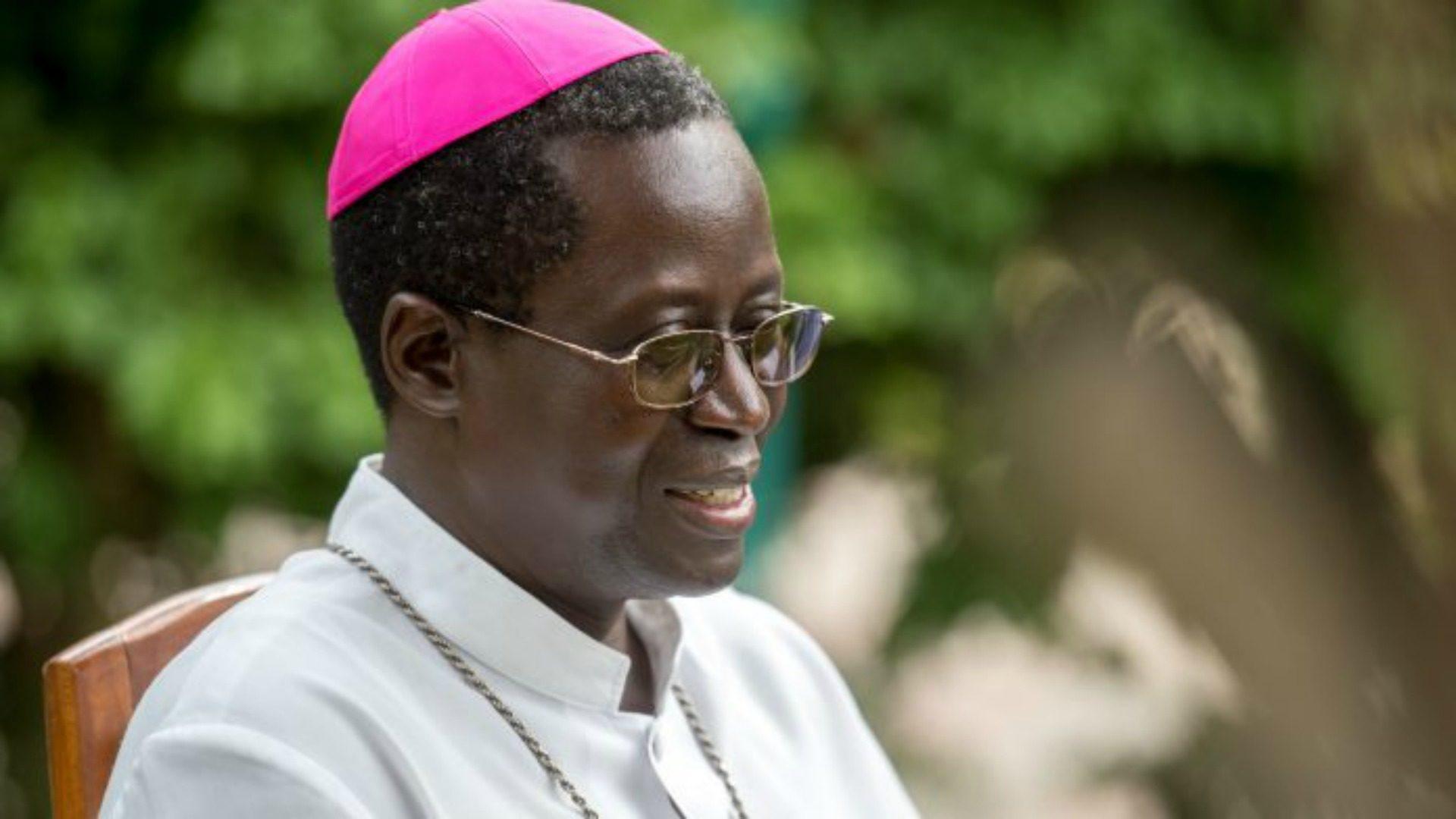 """Mgr Benjamin Ndiaye, invite les universitaires à être """"le  moteur de leur société, comme l'a été Alioune Diop"""""""