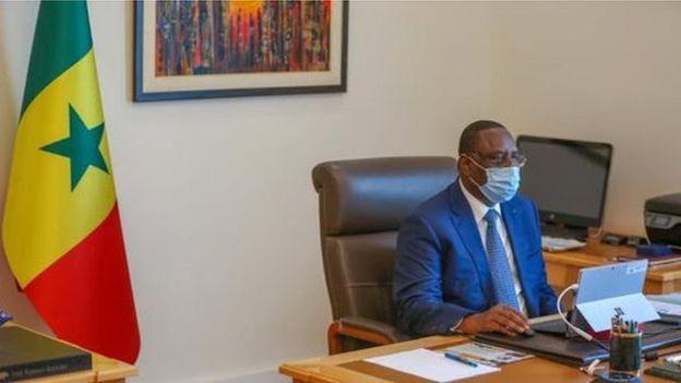 Macky Sall se met en quarantaine