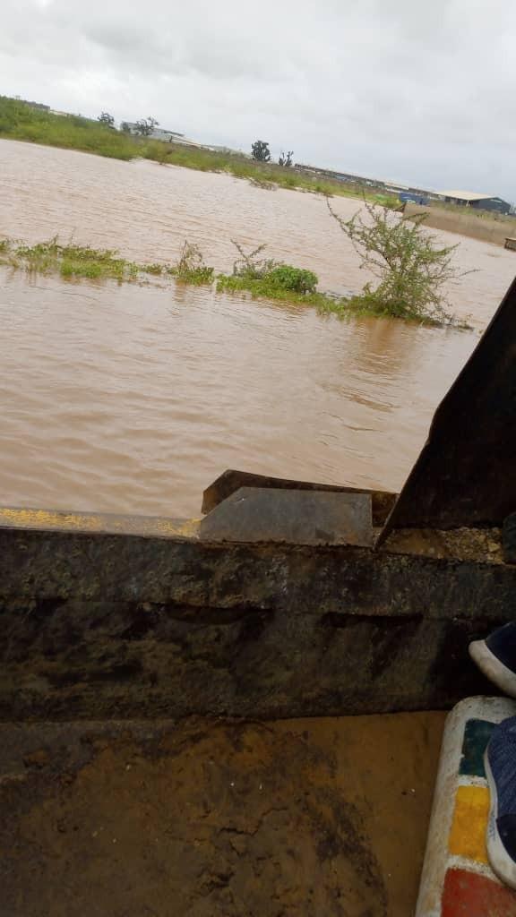 Images des inondations sur la Nationale 1 à Diameniado