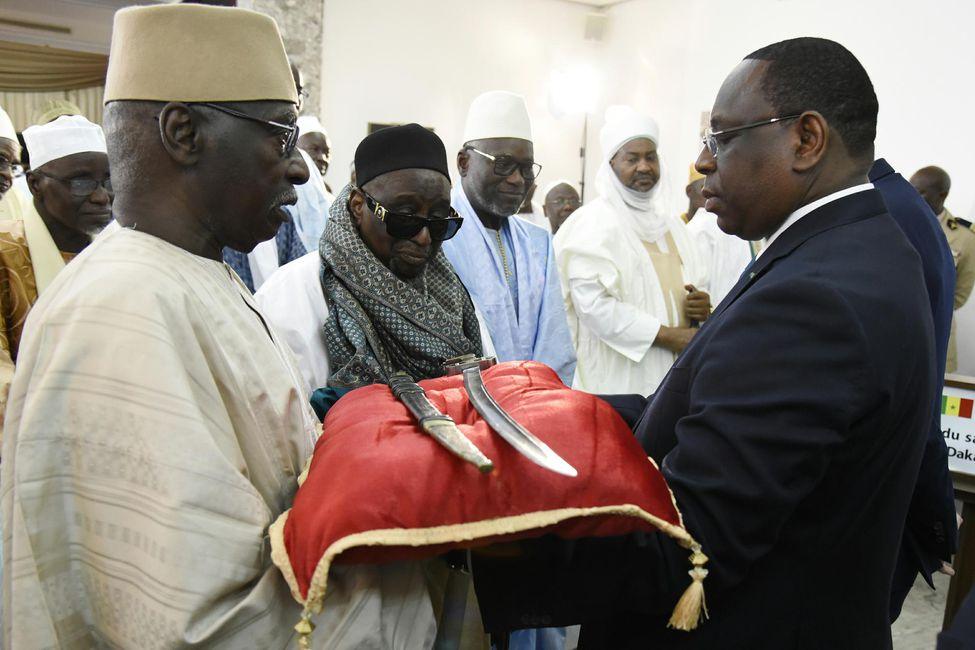 Restitution des biens culturels : le débat sur l'authenticité du sabre d'El Hadji Oumar Tall relancé