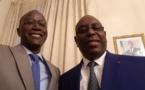 Paris : Yakham Mbaye réagit aux huées avec un selfie en compagnie de Macky Sall