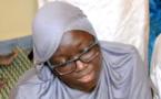 Vidéo : Regardez Mame Diarra Ngom qui récite un verset du Coran et fait pleurer Serigne Abdou Samad !