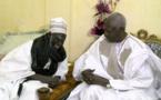 Vidéo : Le président Abdou Diouf présente ses condoléances à Serigne Mountakha