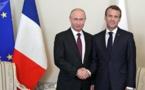 """Emmanuel Macron veut """"ancrer dans l'Europe"""" la Russie de Vladimir Poutine"""