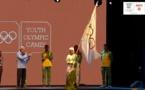 Le maire de Dakar, Soham El-Wardini, reçoit le drapeau olympique