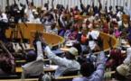 Urgent : Adoption du projet de loi portant suppression du poste de Premier ministre