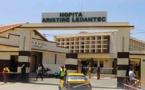 Le chef du service de la médecine interne de l'hôpital Aristide Le Dantec, le professeur Abdoulaye Pouye, évacué en France