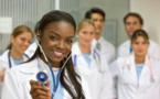 Des médecins africains ont choisi l'exil et sauvent des vies en Europe, en pleine épidémie de Covid-19