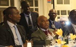 Vidéo : Abdoulaye Wade dévoile ses talents de chanteur